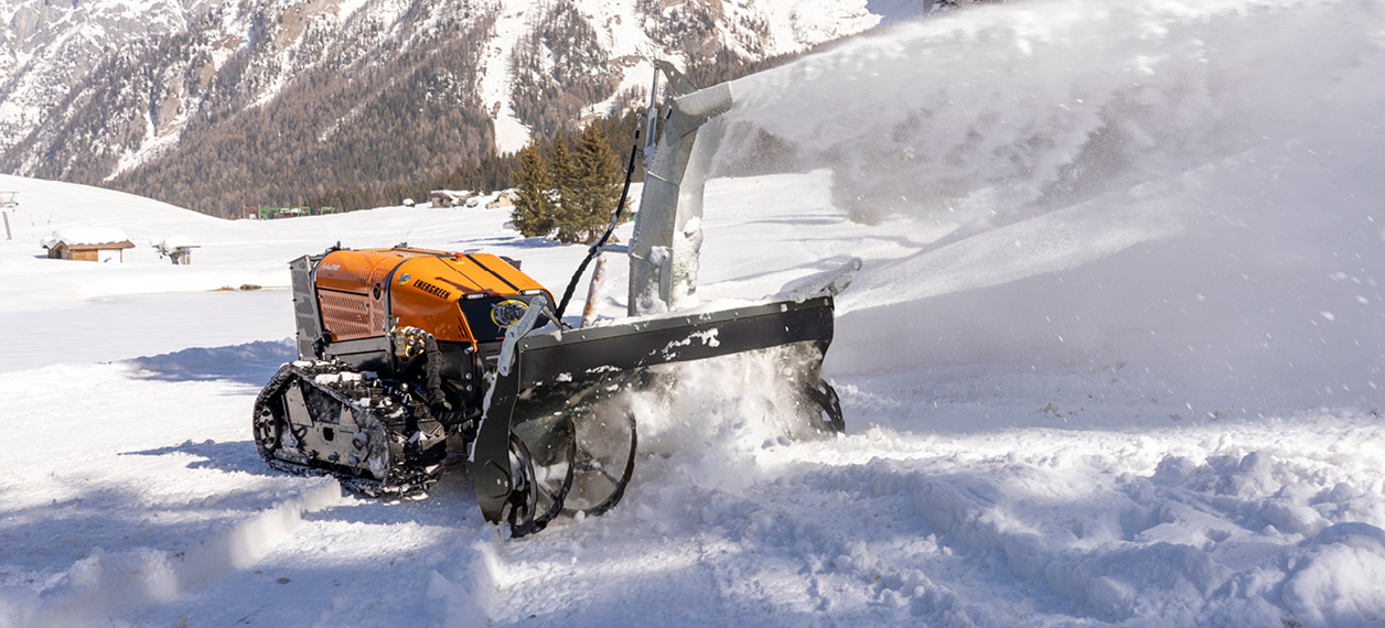 remote controlled tools carrier - roboevo - winter service - snow blower - energreen professional machines
