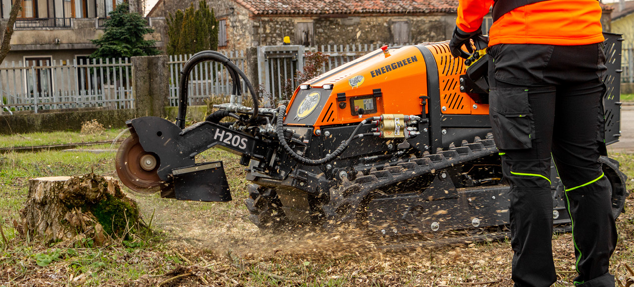 remote controlled tools carrier - roboevo - stump grinder - energreen professional machines